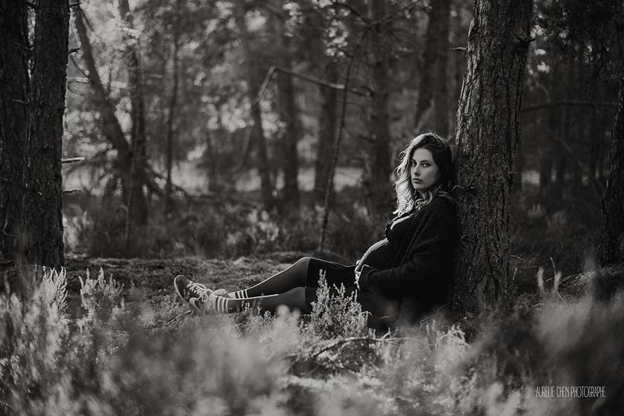 Séance Grossesse en couple en forêt| Aurelie Chen Photographe | Seine & Marne Poligny